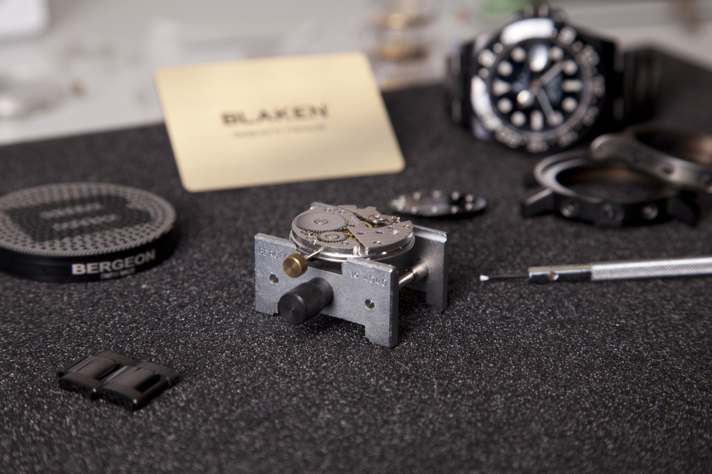 BLAKEN-GmbH_Zusammenbau-der-Uhr-2