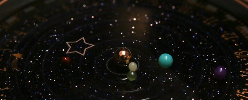 Van-Cleef-Arpels-Midnight-Planetarium-2